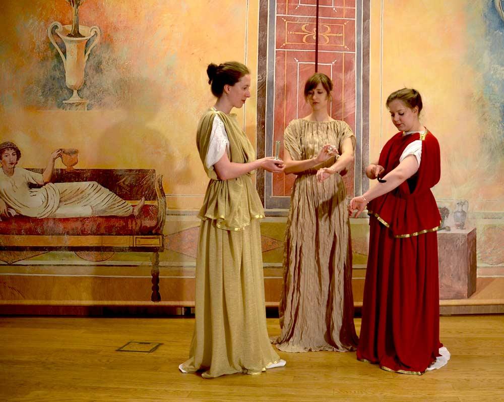 Roman Women in City Museum Ljubljana | Rimljanke v Mestnem muzeju Ljubljana